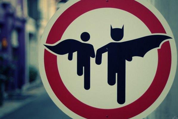 grappig street art batman en robin