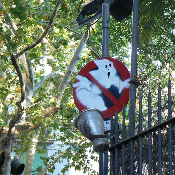 grappig street art ghostbusters